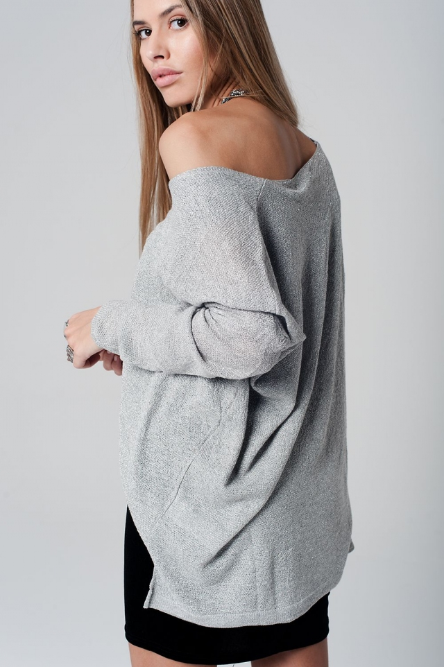 Silver knit high low sweater with long sleeves in lurex