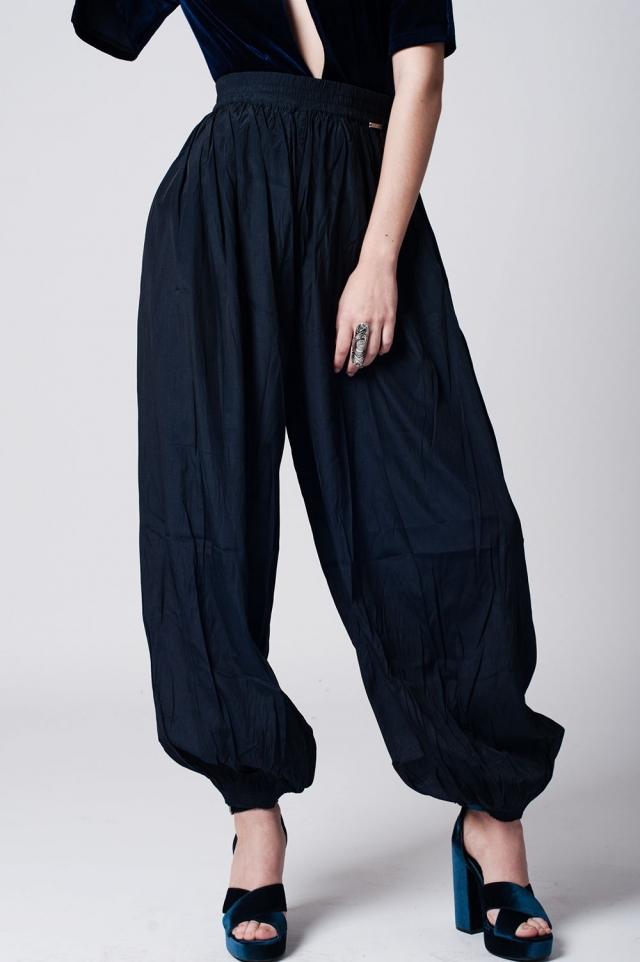 Schwarze Hose mit Stretch-Bund und Bündchen