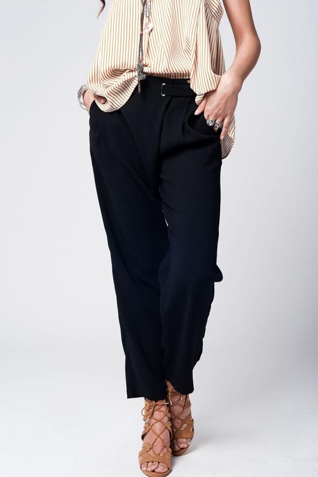 Schwarze Hose mit weitem Bein und Taillenabschluss