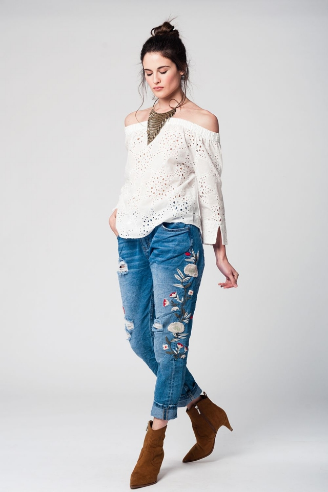 White 3/4 sleeve eyelet top with ruffles