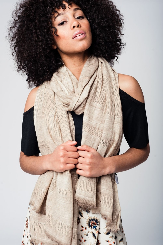 Beige lightweight textured scarf