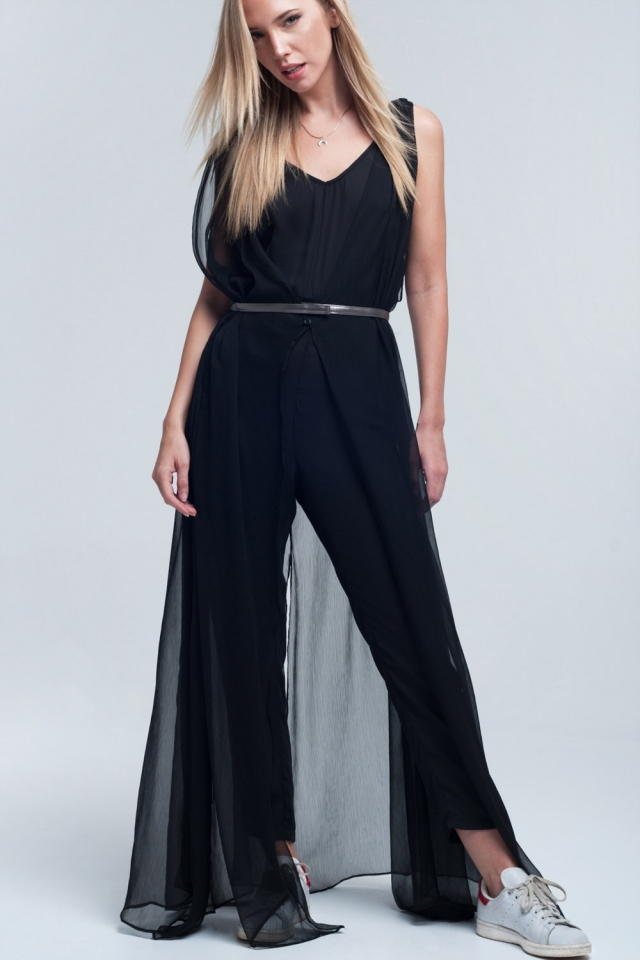 Layering black jumpsuit with silver belt