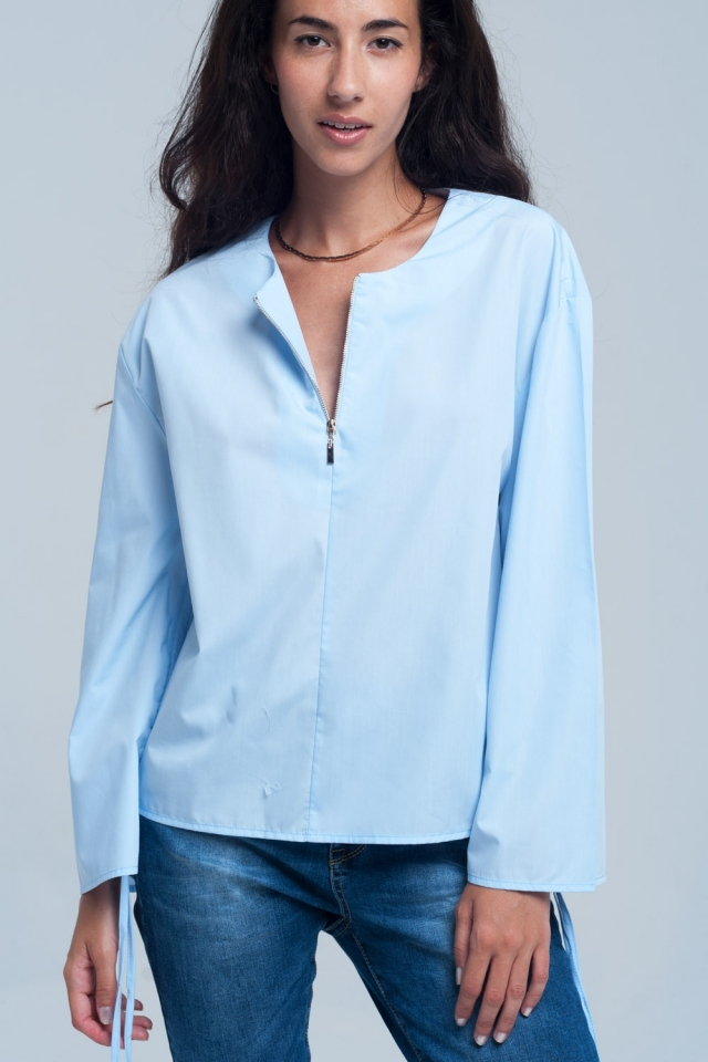 Blouse in blue color