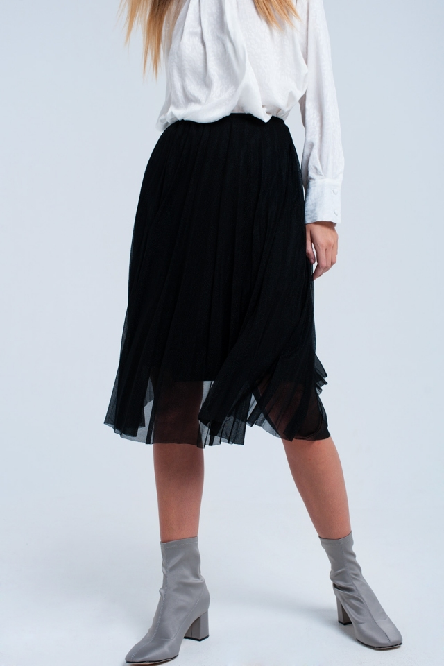 Midi pleated black skirt