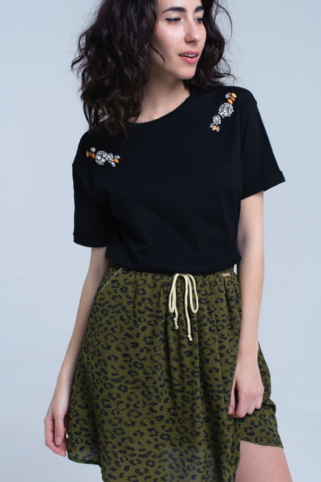 Schwarzes T-Shirt mit Strasssteinen