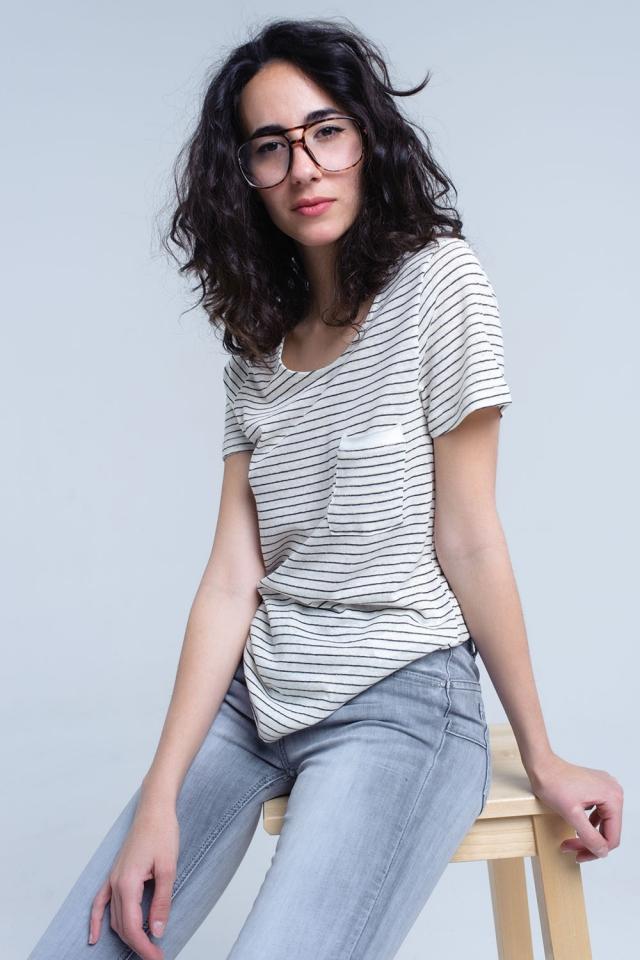 Cremet-shirt mit schwarzem Streifen