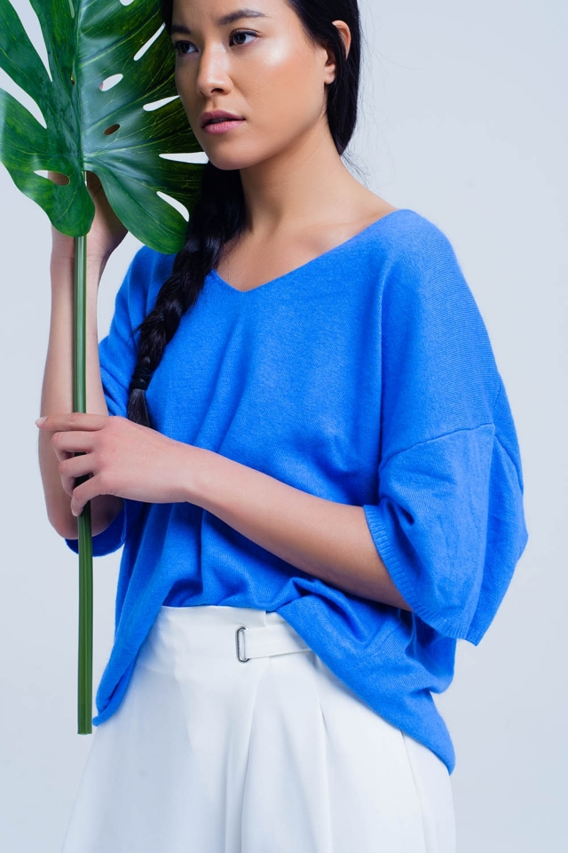 Short sleeve blue sweater