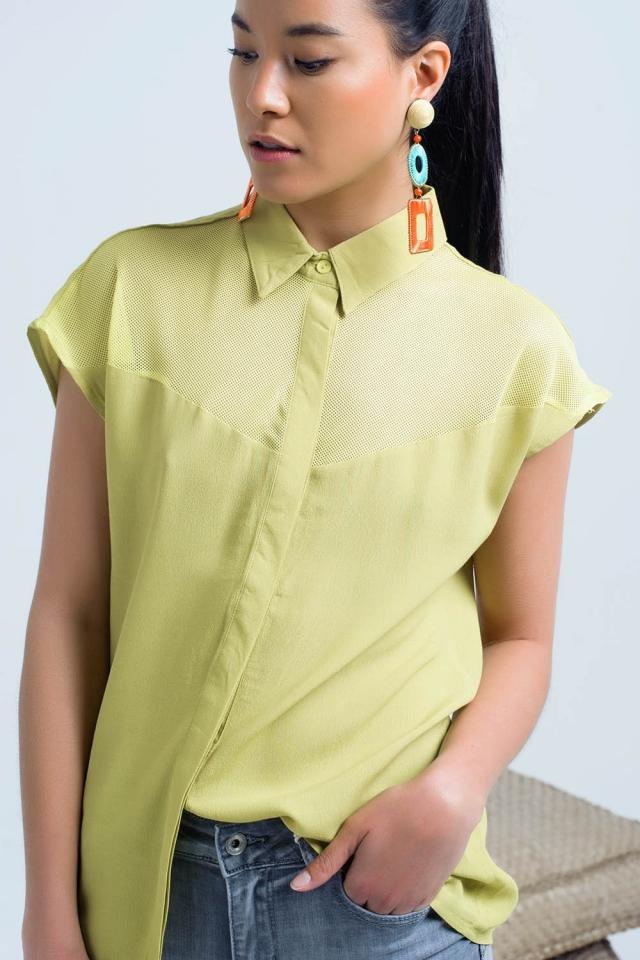 Gelbes Shirt mit Mesh-Detail