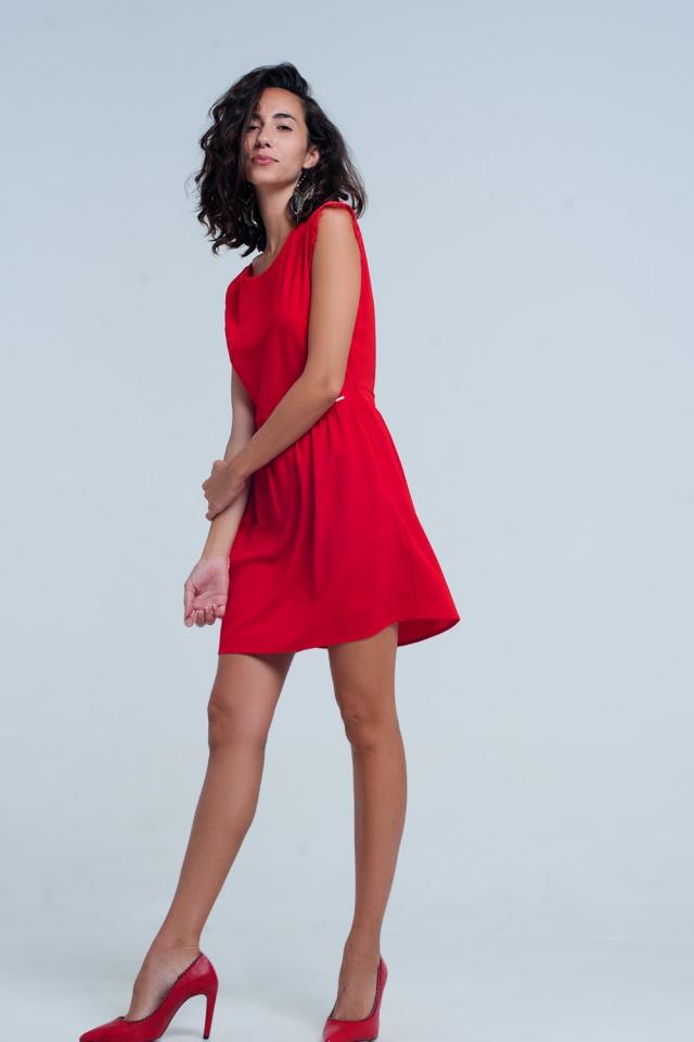 rot kleid mit Rückenausschnitt und Spitzeneinsatz