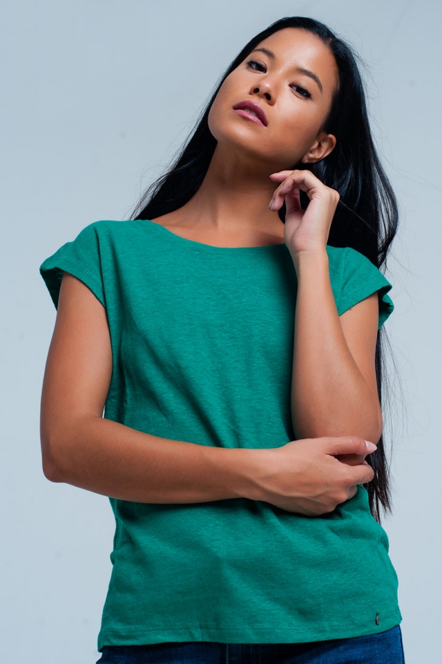 Green t-shirt with scoop neck