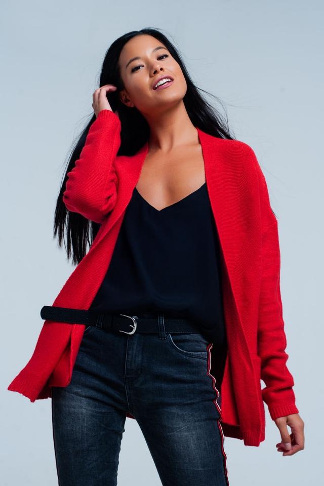 Rote Strickjacke mit Taschen