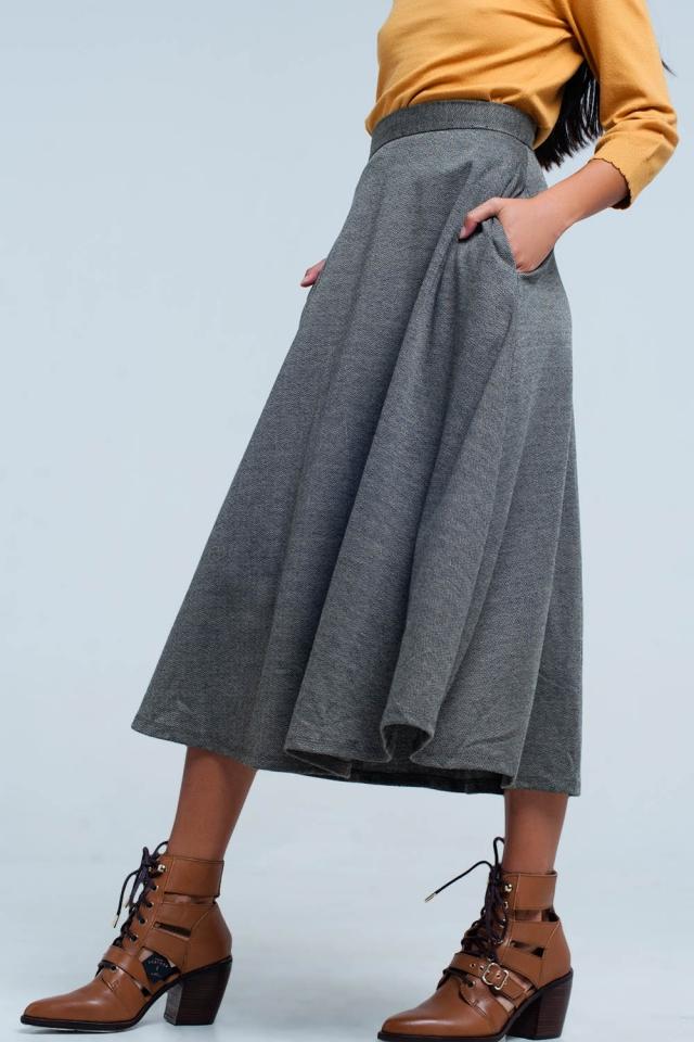 Beige midi Skirt with zig zag pattern