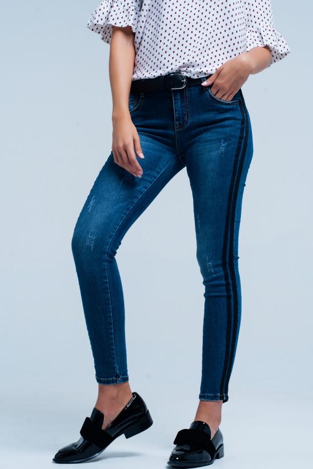 Blaue Skinny-Jeans Schwarze Seitenstreifen