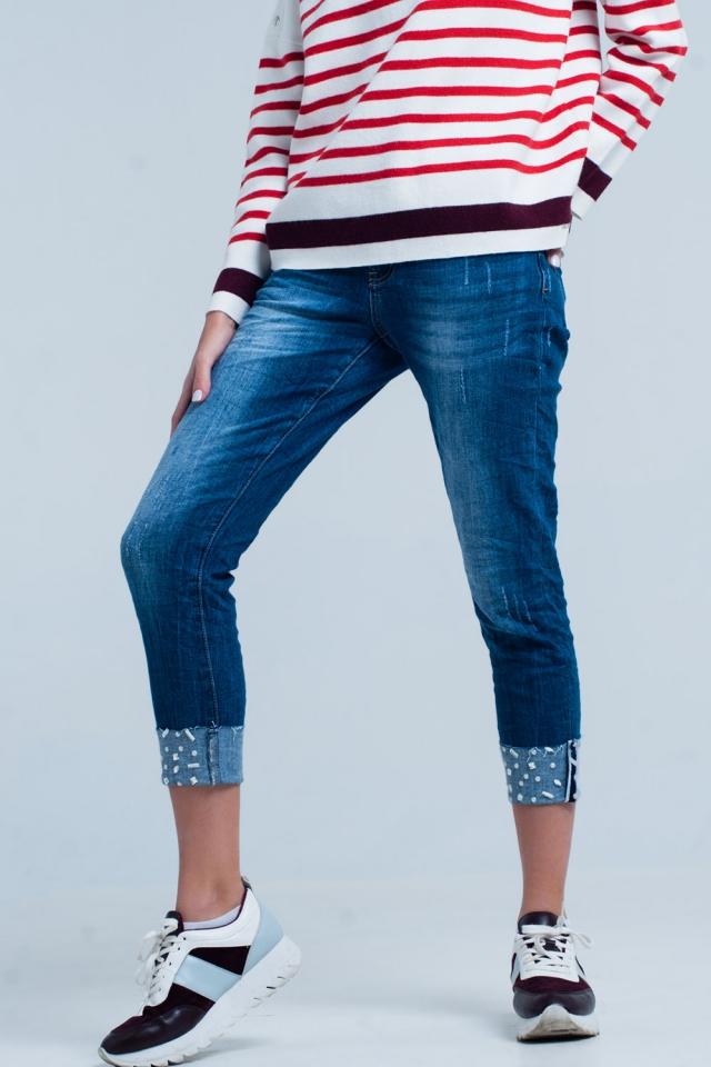Hochgeklappte Jeans mit Strass