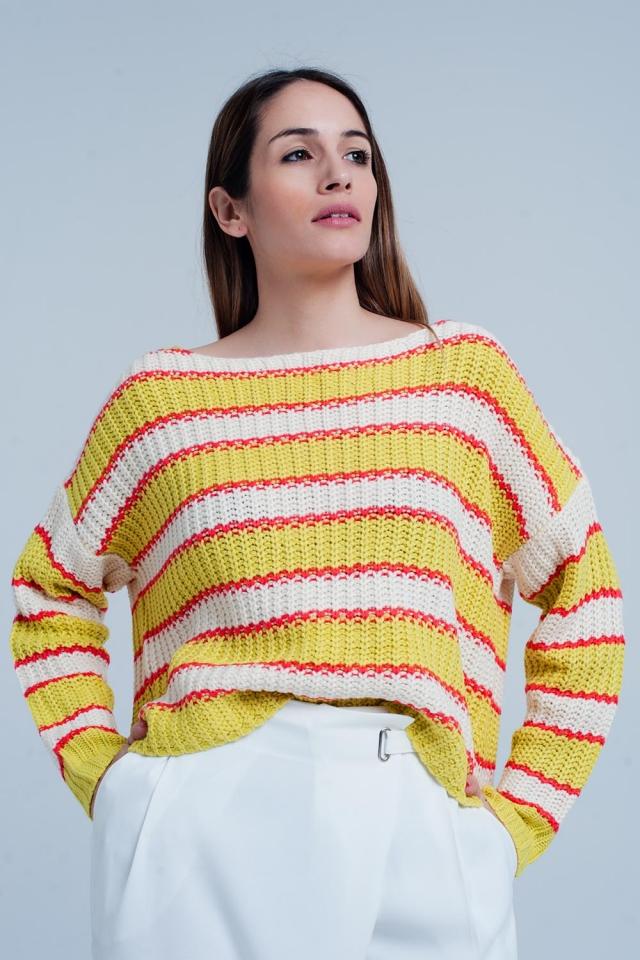 Gelb gestreifter Pullover mit breiten Ausschnitt