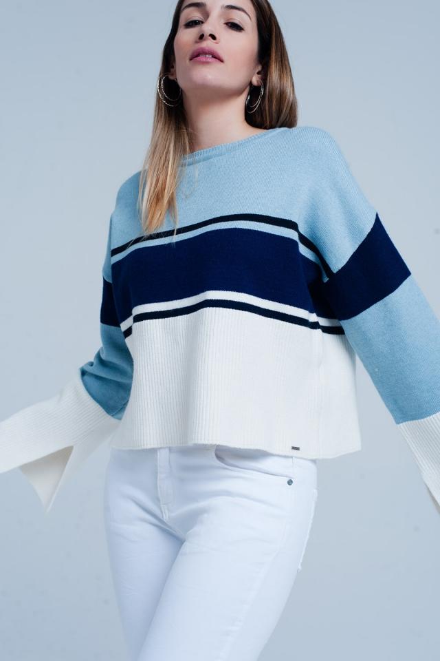 Blau gestreifter Pullover mit Rundhalsausschnitt und ausgestellten Ärmeln