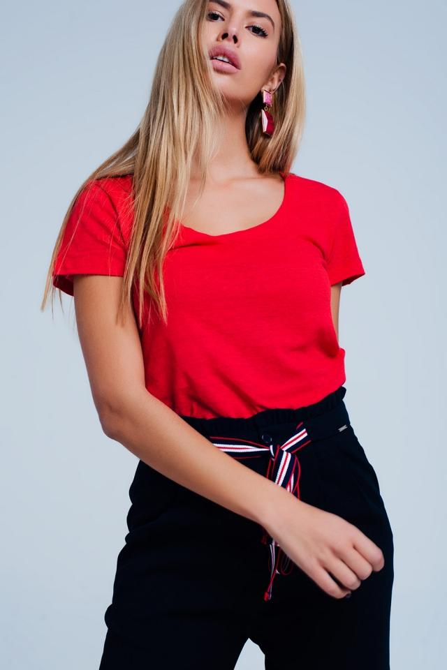 T-Shirt Rot mit weitem Halsausschnitt