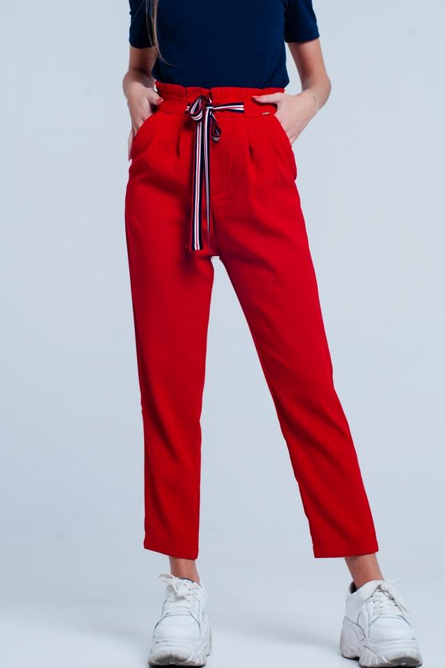 Paperbag-Hose mit Bindung auf der Vorderseiten in Rot Farbe