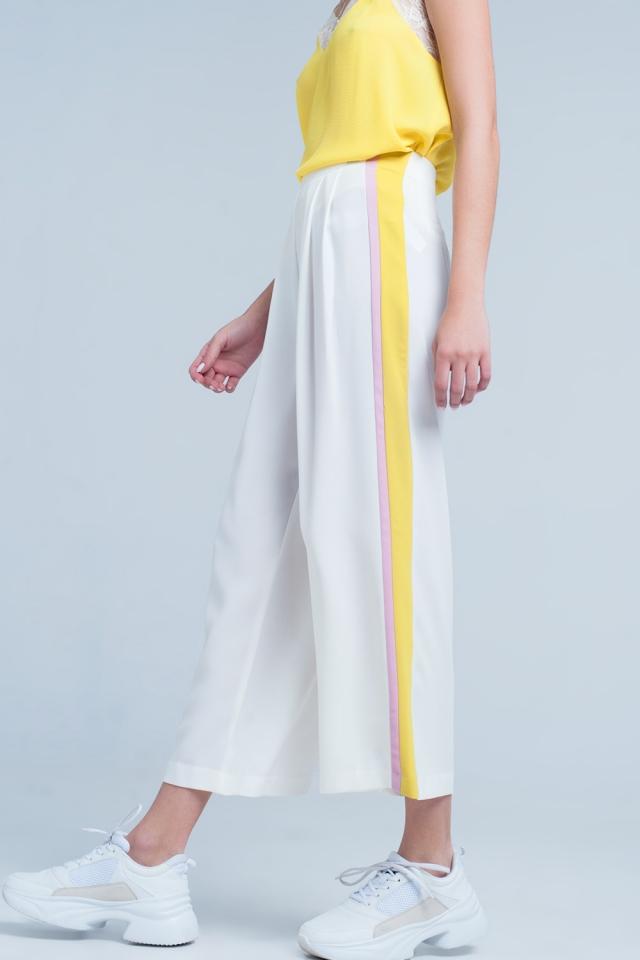 Weiß Hose mit weitem Bein und seitlichen Streifen