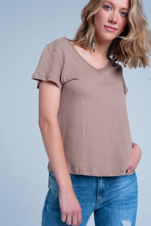 Braun T-Shirt mit v-Ausschnitt
