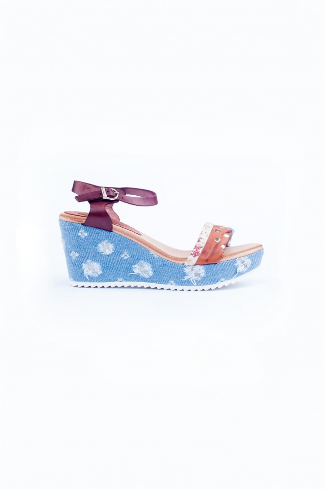 Patterned blue and pink wedges