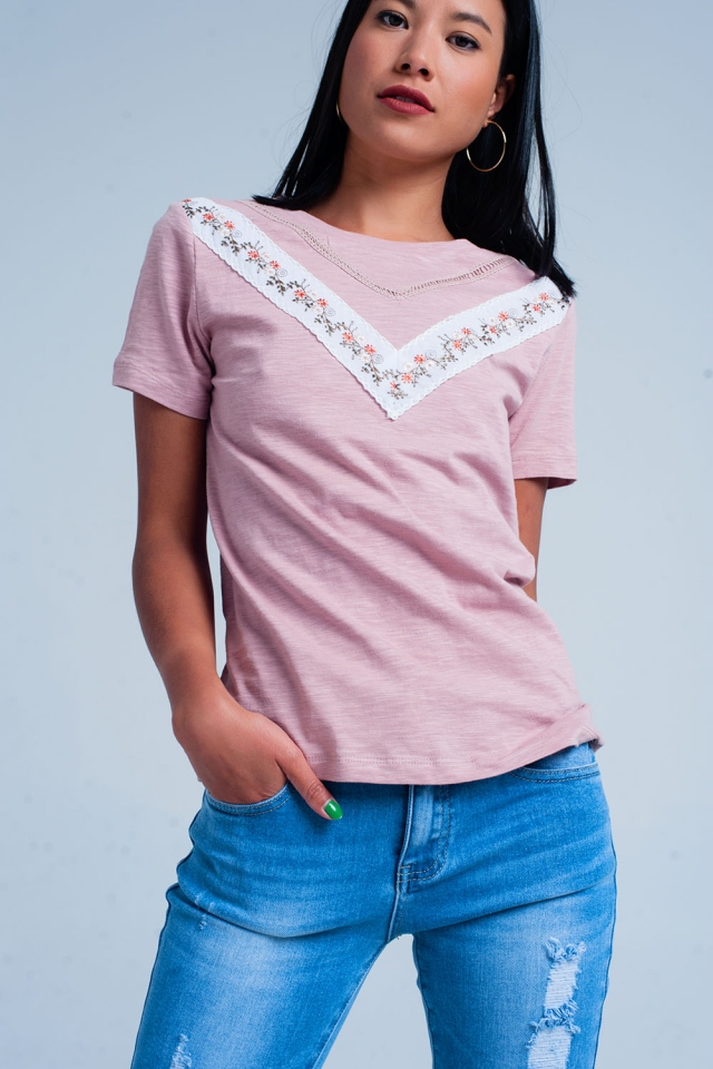 Rosa T-Shirt mit Stickerei