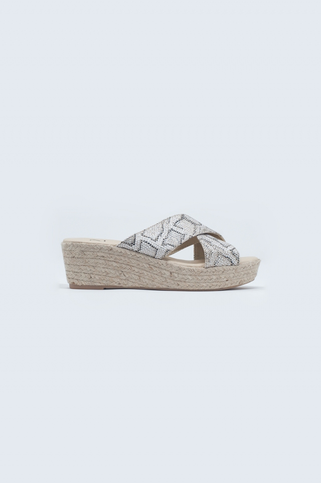 Espadrille sliders with leopard print