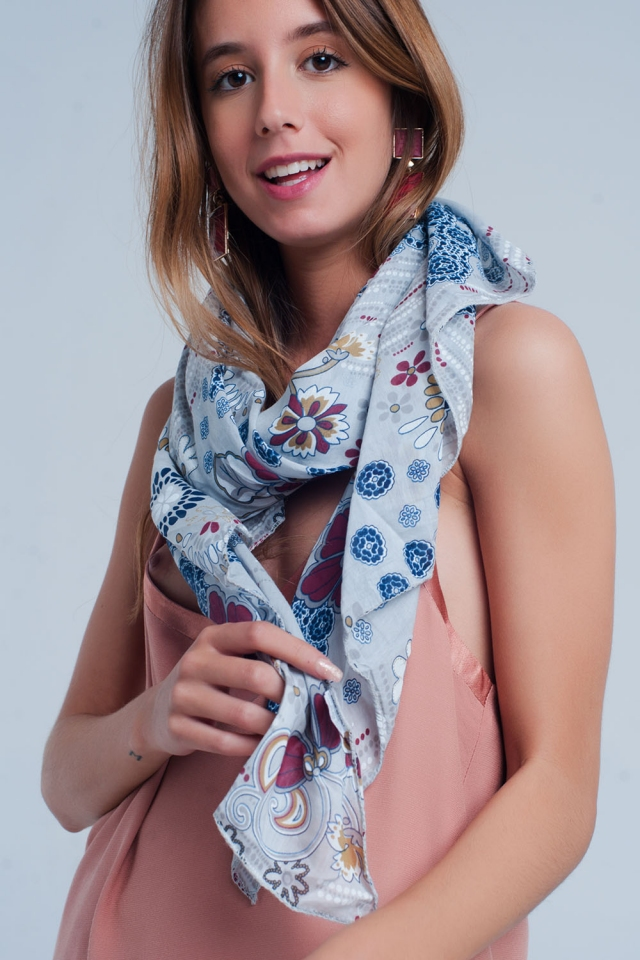 Gray scarf with flower print