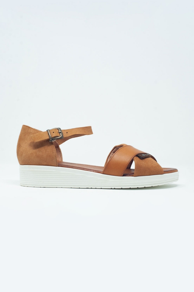 Sandals with ankle strap and crossed straps