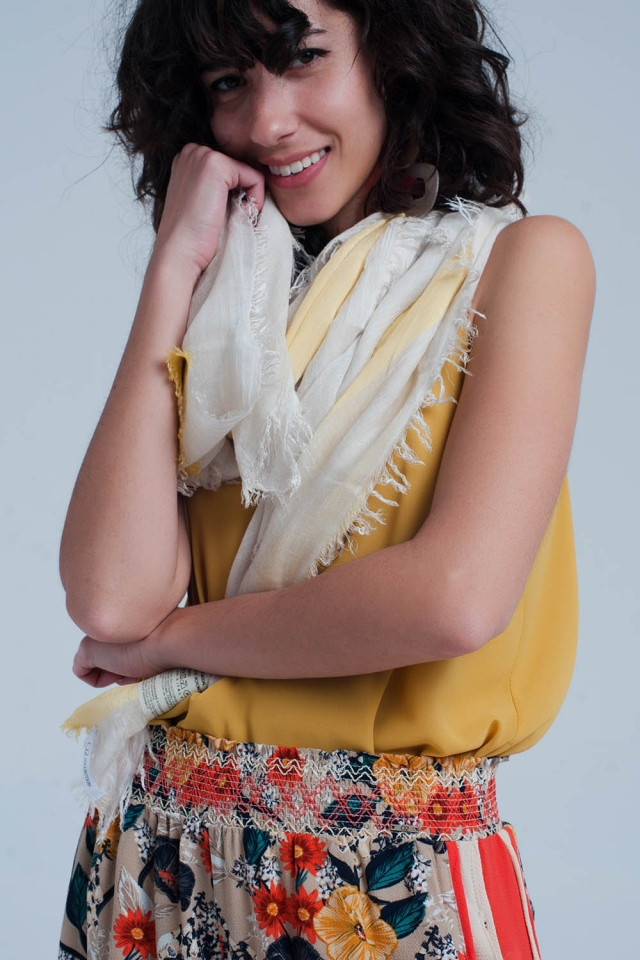 Striped scarf in yellow