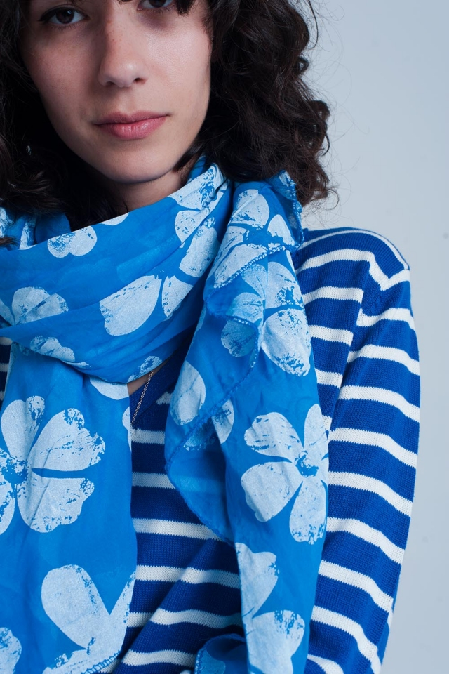 Blue scarf with flower print