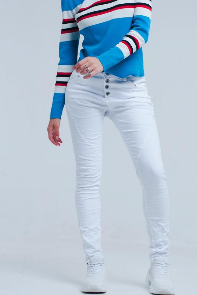 Weisser Flachbau Boyfriend Jeans