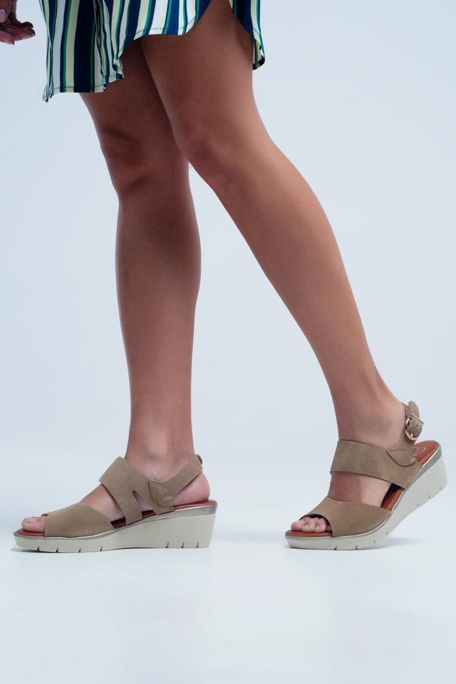 Camel farbige Keil Sandalen