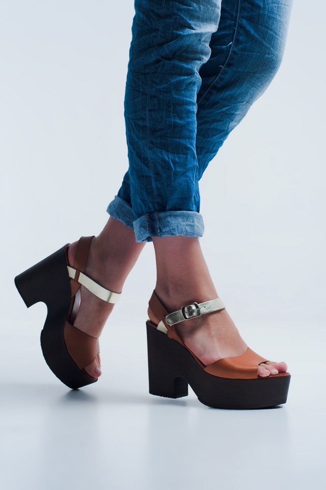 High heels with camel coloured straps