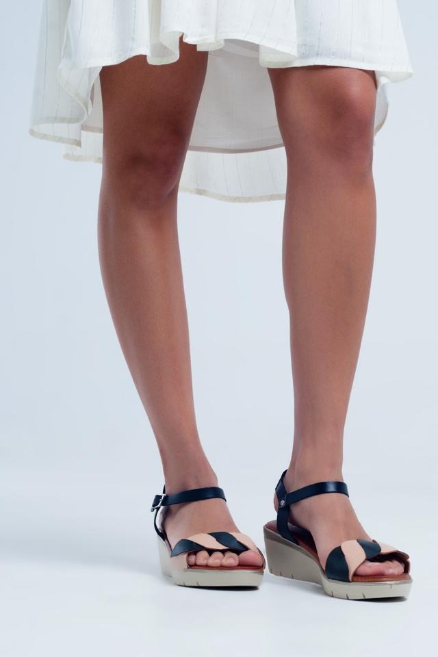 Schwarze Leder Keil Sandalen