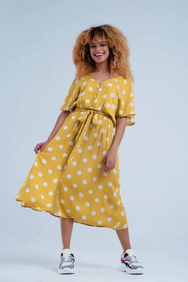 Gepunktetes Midi Kleid mit durchgehender Knopfleiste in Senf Farbe