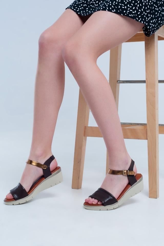 Braune Leder Keil Sandalen