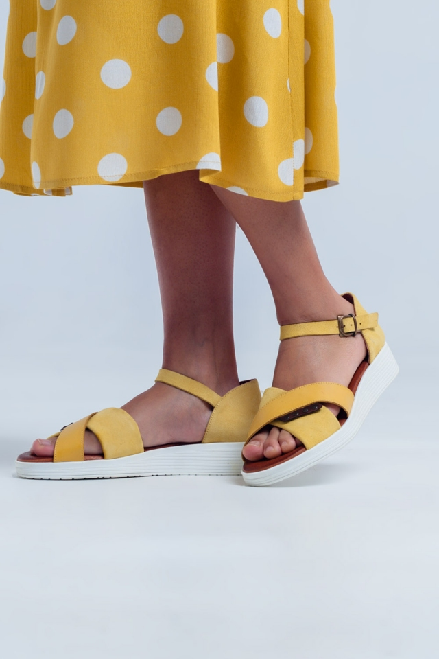 Sandals with ankle strap and crossed strap