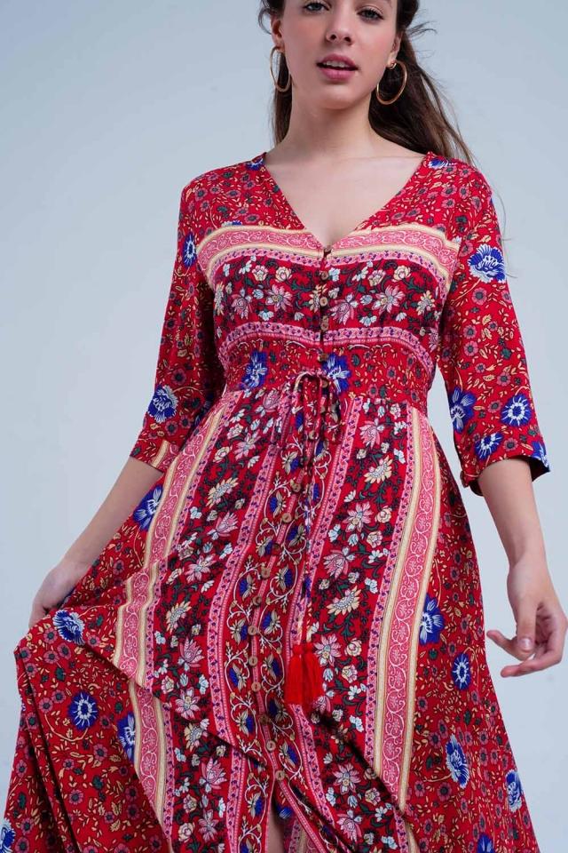 Rotes Kleid mit Blumenmuster und Streifen