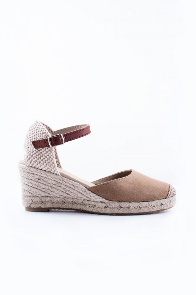 Espadrille Sandaletten mit Absatz in Creme