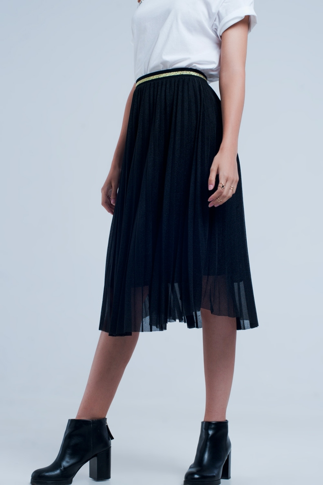 Midi pleated skirt in black