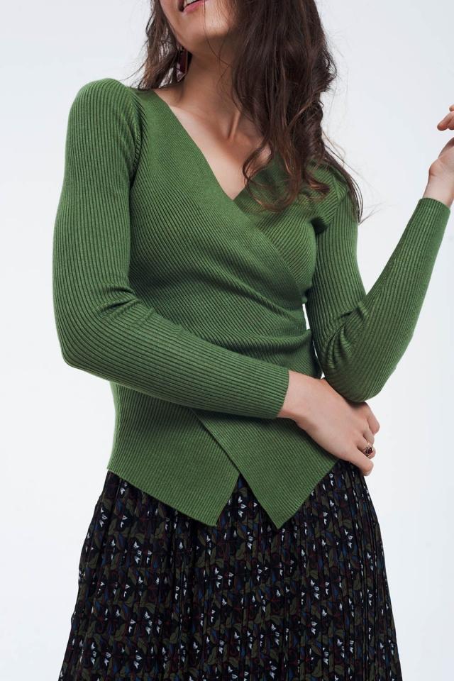 Grüner Wickelpullover mit V-Ausschnitt