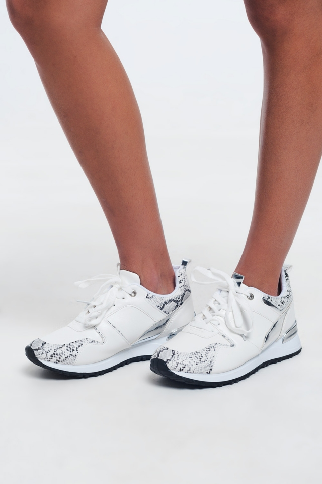 Large snake-effect white lace sneakers