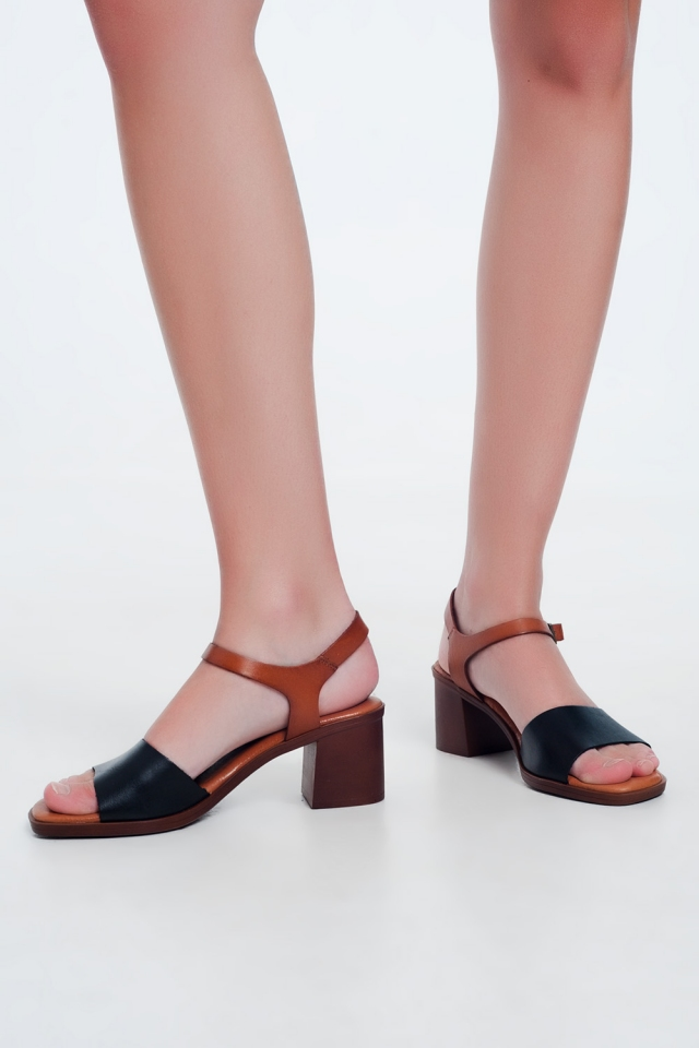 Black sandals with block heel and ankle fastening