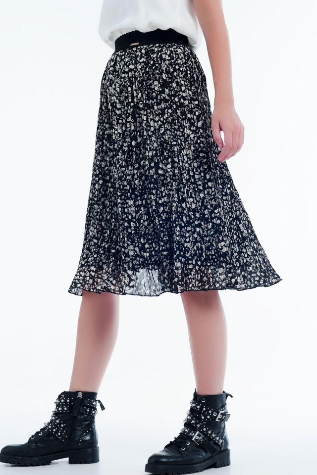Pleated print midi skirt in black