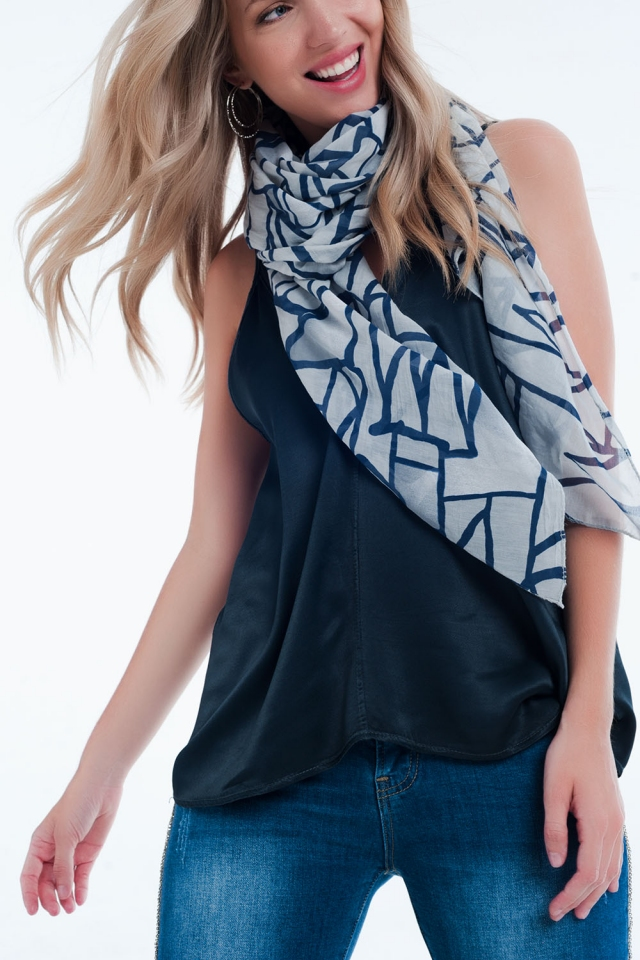 abstrasct print grey scarf