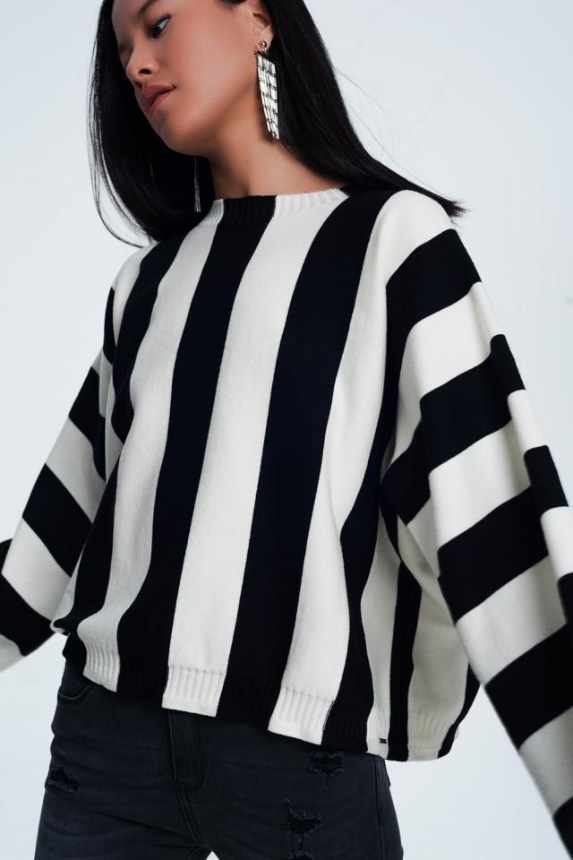 Scoop neck sweater in mono stripe in black