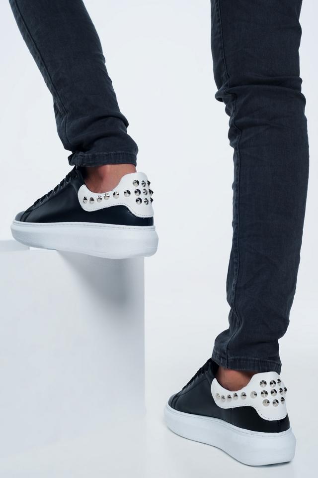Zwarte sneakers met studs