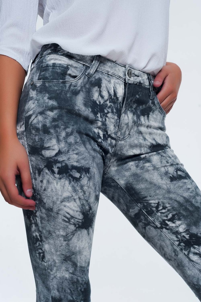 Gray tinted slim pants