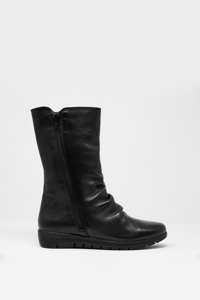 Black boots with zip closure
